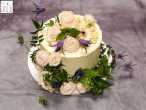 kwiatowe dekoracje tortów